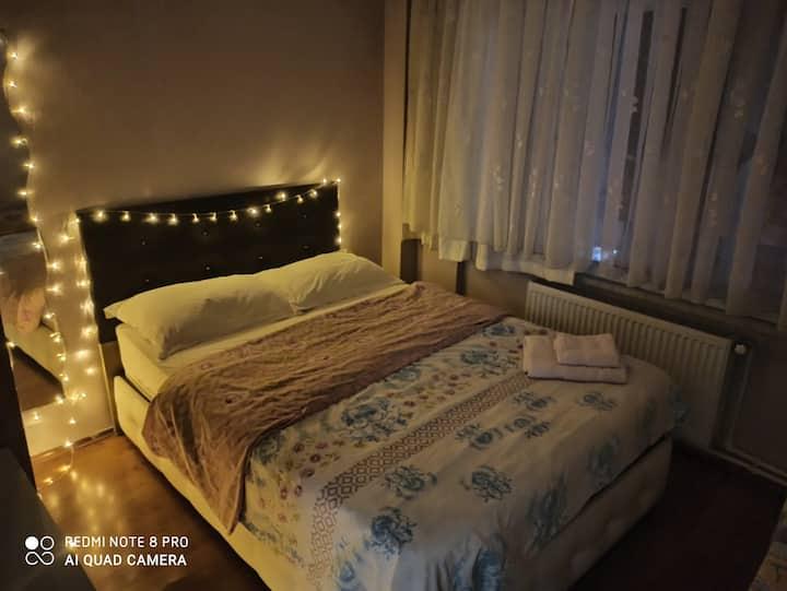 Cosy room very center of Kadikoy. Best Location!