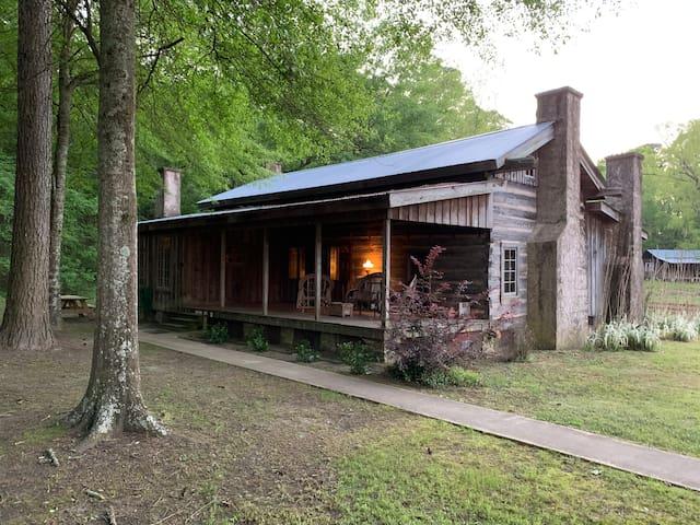 Old Washington Farm Stay-178 Yr Old Historic Cabin