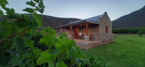 KARUSA Farm Cottage - Private Self Catering Acc
