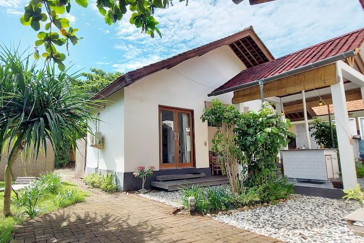 LIVING ROOM LEMBONGAN Beautiful and modern getaway