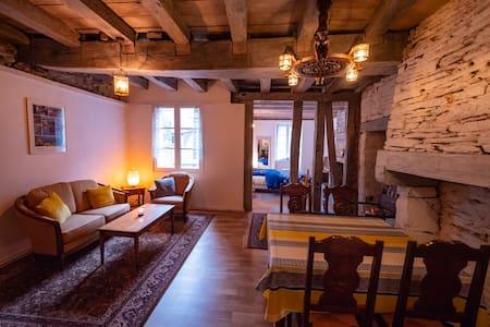 Appart indépendant 48 m2, mini cuisine, douche, WC