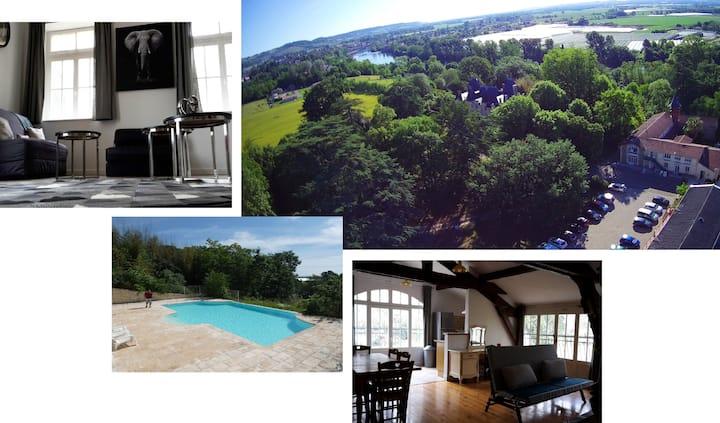 Gite T2 avec terrasses privées et accès piscine