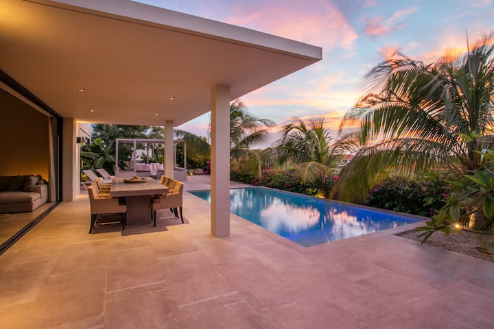 Luxury villa Jan Thiel Curacao