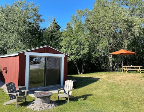 Empire Sleeping Cabin @ Superior Orchards