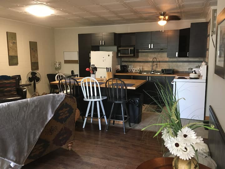 Cozy Central 2 Bdrm Apart North Battleford