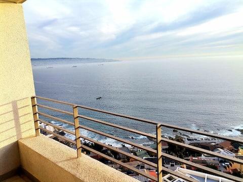 Amplio departamento con magnifica vista a la bahía