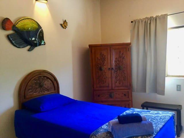 2nd fl bedroom 2 - Single Bed