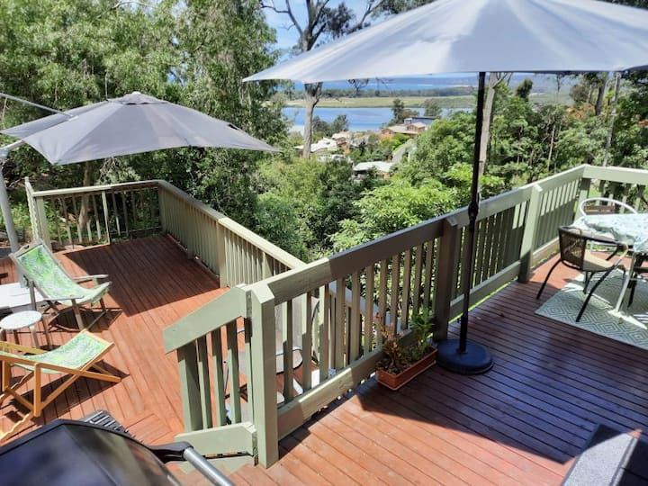 Belle Vue Apartment - Merimbula home with a view