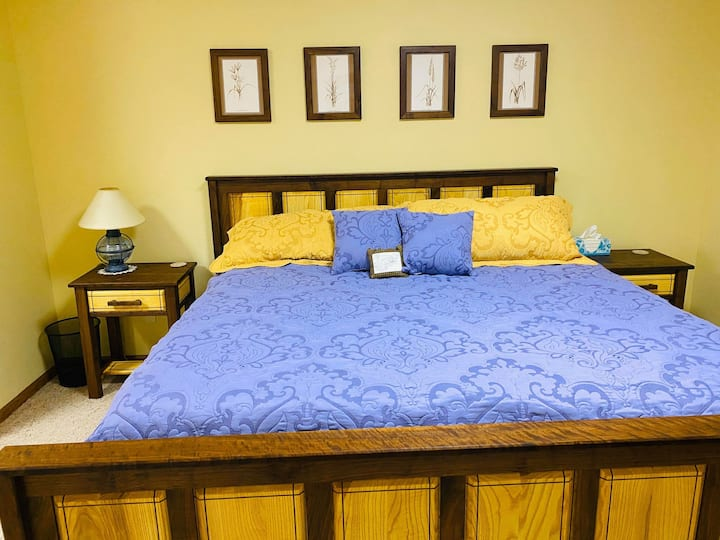 Come stay in our Adorable Prairie Room!