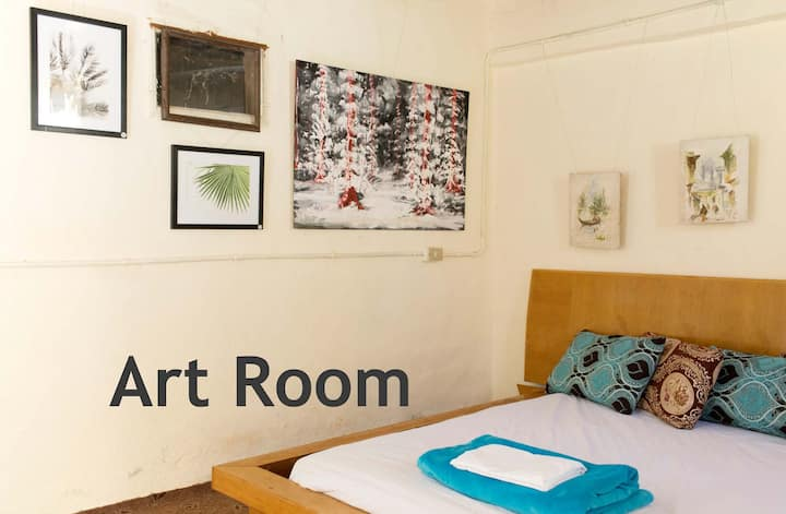 Peaceful Farm Stay in the Jordan Valley - Art Room