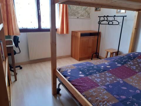 Chambre avec1, 2 ou 3 couchages dans une résidence