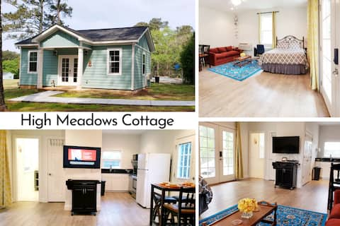 High Meadows Cottage on 16 Acres, No Fee for Pets