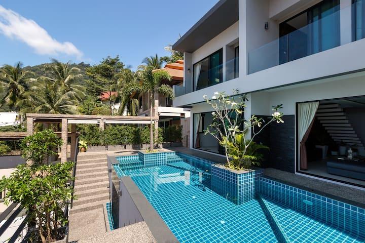 Twin Villas Seaview Kata Two