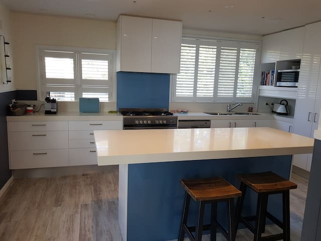 Corlette, Port Stephens - waterfront 2 bed luxury