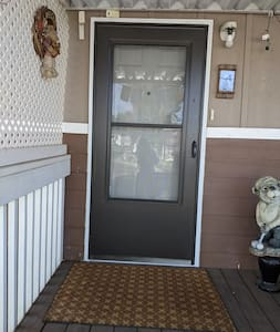 This is a view of my front door - easy access and well -lite. If you arrive much after dark head to motel 6. They'll leave the lite-on for you - I won't <smile>