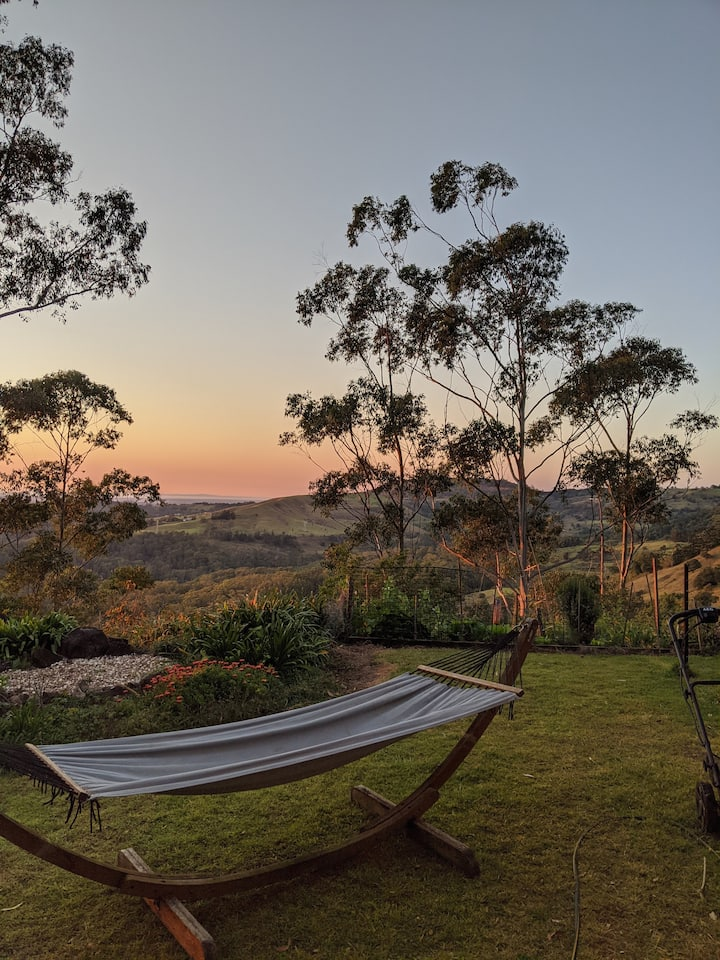Maleny Montville Cottages - 2 bed, ocean views