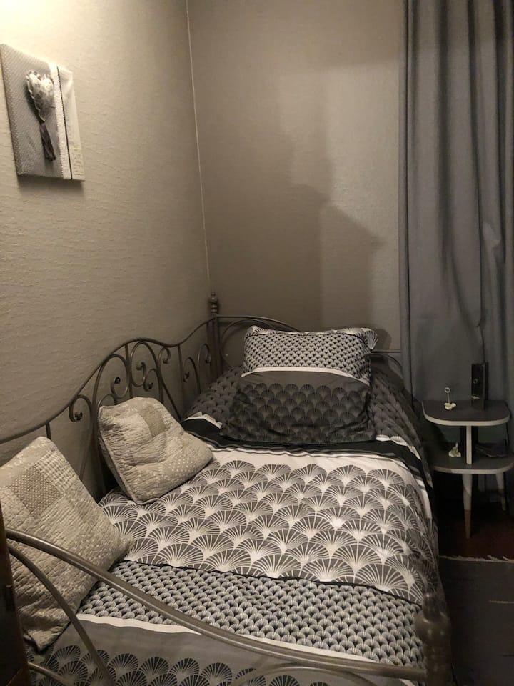 Chambre 1 cosy à Brétigny proche Amazon, IRBA...