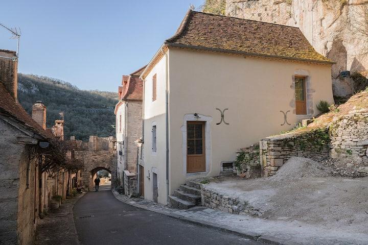 Maison dans la Cité de Rocamadour. Terrasse. WIFI