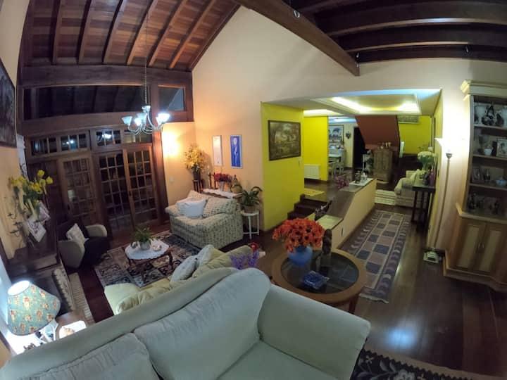 Casa aconchegante e espaçosa, Lagos de Gramado