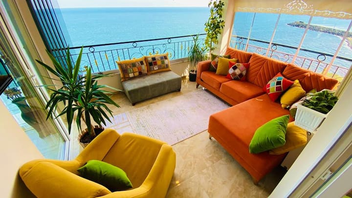 Trabzon My White House 4+1 sea view suite