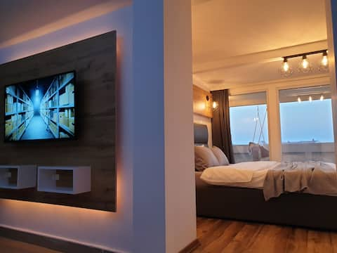SKY Apartments | Deluxe Studio with Panoramic View