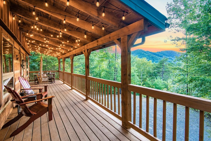 Lovely & Secluded, Sunset Views, HotTub, Fireplace
