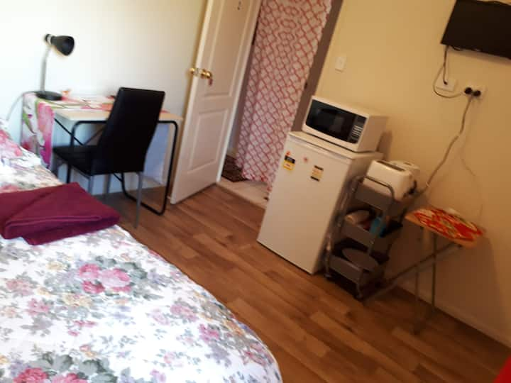 NEAR UNI.  FEMALE ONLY Stays. Room with Fridge, TV