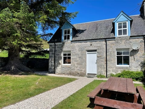 Jock's Cottage in the Highlands Blarich Estate