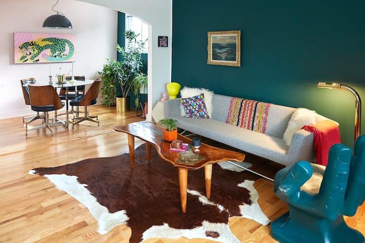 Peaceful Portage Park Apartment