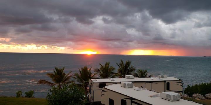 Waterfront: Casa Coral, Playa Santa