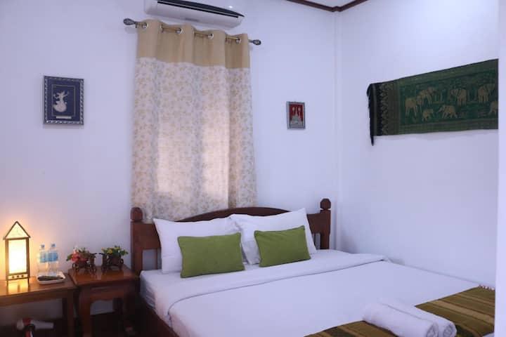 Room #6 (Standard Double Bedroom)