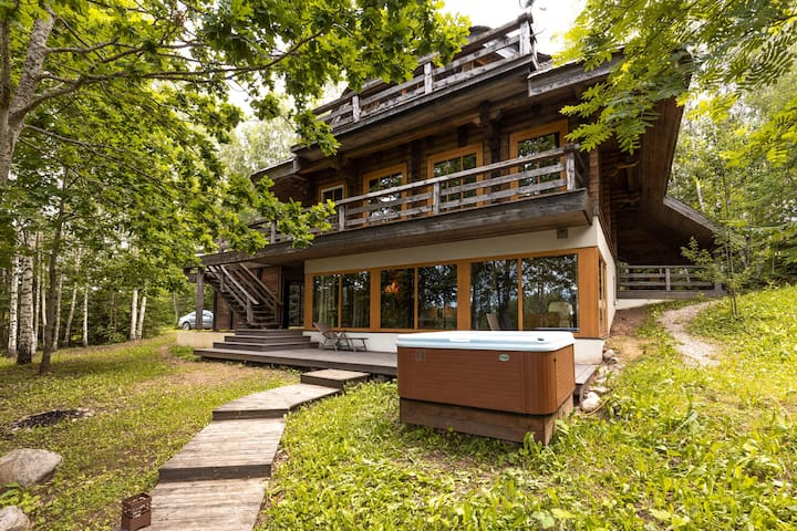Charming, artistic & private chalet nearby Riga!