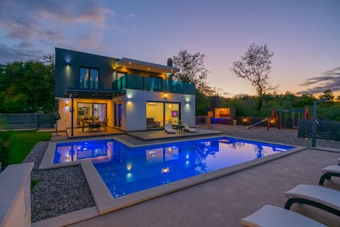 NOUVEAU !! - Maison de vacances Luxe avec piscine - Grubine