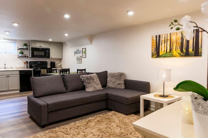 Beautiful Suite Near Downtown & Bush Park