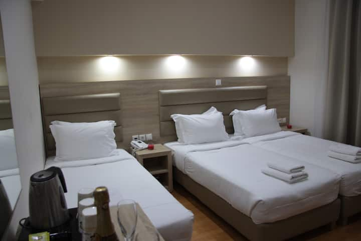 Triple Hotel Room in the heart of Athens