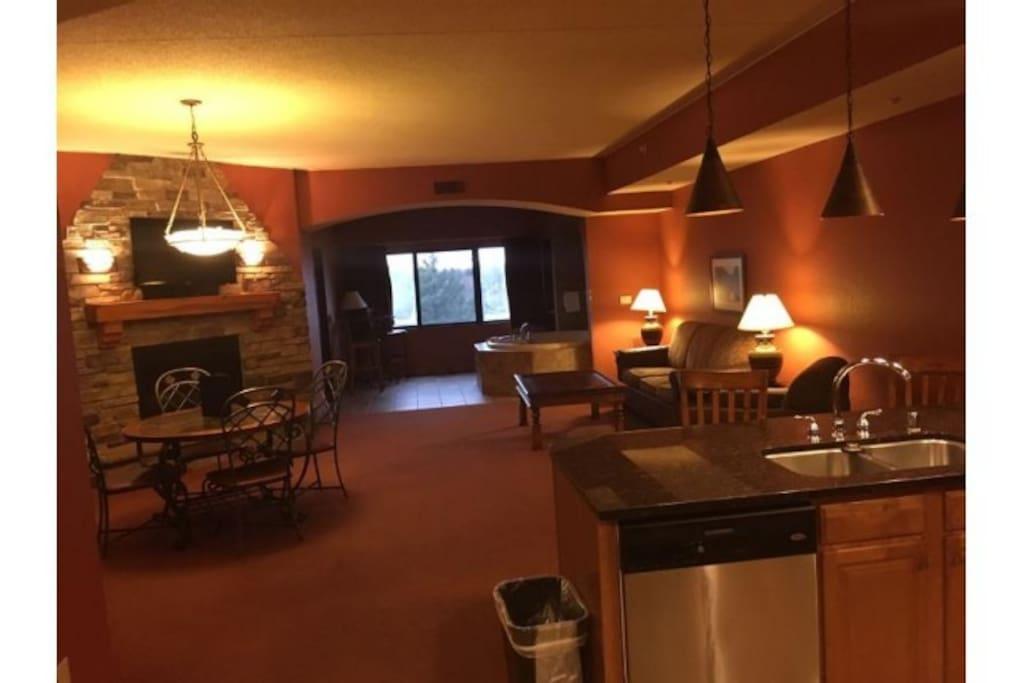8 Person 2 Bedroom Condo Chula Vista Waterpark Resorts For Rent In Wisconsin Dells Wisconsin United States