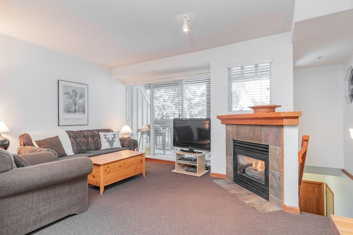 Charming 2BDR Townhome | Pet friendly | BBQ