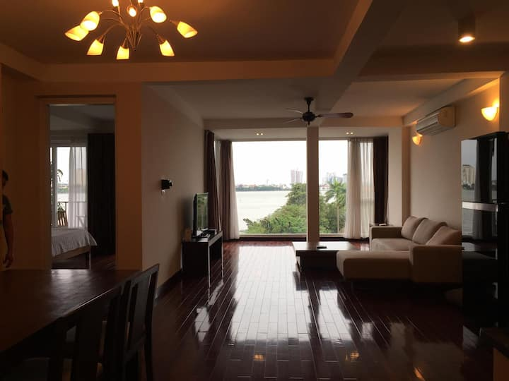 Luxury 2BR Apt /West Lake/Special view/Parking Car