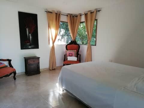 Habitación doble con cama extra y bañera