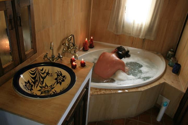 Hotel Rural Abejaruco en Gredos. Hab.con jacuzzi