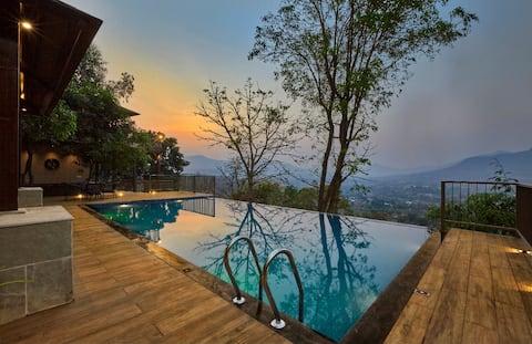 Mrudugandh Pool Villa with Mountain Views Girivan.