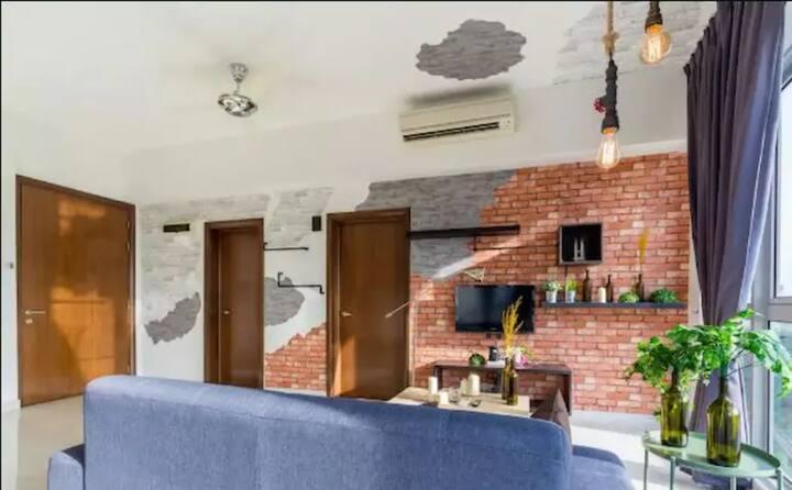 Designer Suite one bedroom Regalia KL_Sky Pool