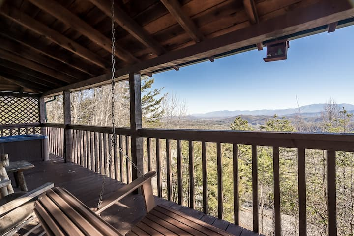 Mountain View Escape - 10 Minutes from Parkway!