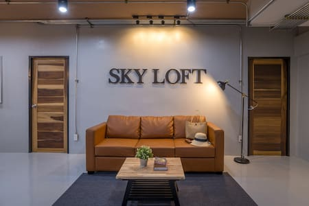 Brand New Loft 120sq.m. Room,100m. to Night Market