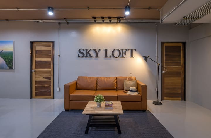 Brand New Loft 120sq.m. Room,100m. to Night Market