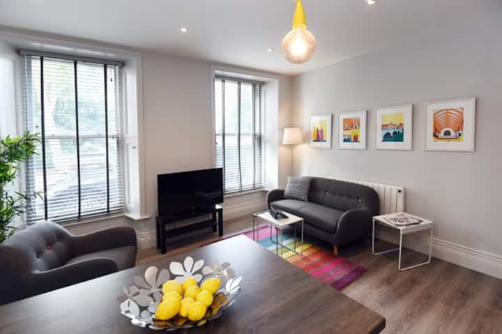Adelaide Place - Apartment 1