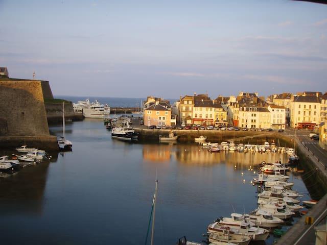 Appart vue imprenable sur le port et la citadelle
