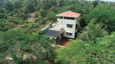 距離孟買一小時的寧靜別墅。