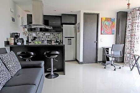Este es un ejemplo de uno de nuestros apartamentos. This is an example of one of our apartments.