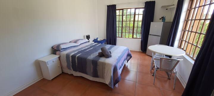 Emtunzi Room 2 - Couples Room